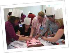 cake decorating teambuilding